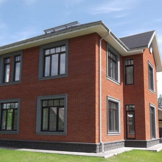 Какова стоимость строительства дома из кирпича за м2?