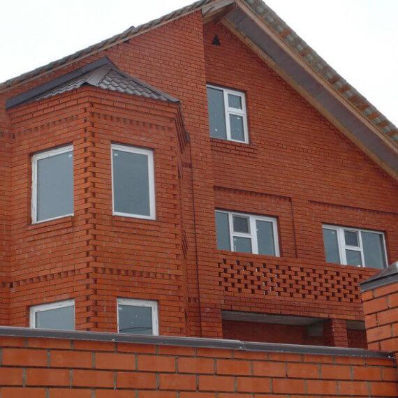 Сколько кирпичей требуется для строительства дома?