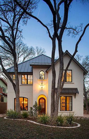 Двухэтажные кирпичные дома